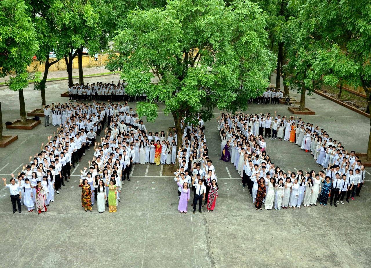 Hình ảnh các lớp 12 niên khóa 2011 -2014